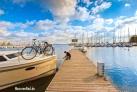 Hausboot und Rad