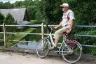 Ruhepause an der bruecke-Masuren Radtour