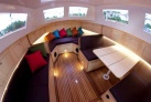 Polen Urlaub Innenraum des Hausbootes